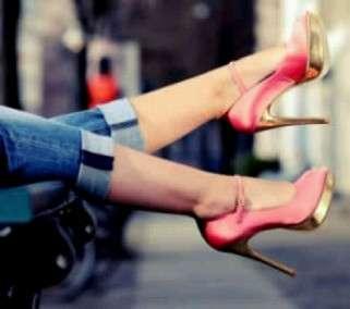 Fetichismo de pies de mujeres en tacones